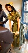 Biedermeier Kostüm mit Schute