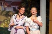 Biedermeier Damen auf der Bühne