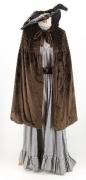 Belle Epoque Kleid mit braunem Cape