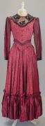 Damenkleid Ende 19. Jahrhundert