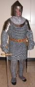 Ritter mit Kettenhemd und Schulterpanzer