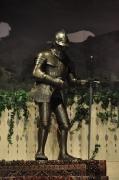 Ritterrüstung mit Schwert