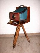 Fotoapparat mit Stativ