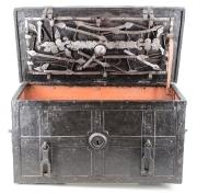 Kriegskasse um 1630 offen