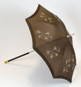 Schirm braun bestickt