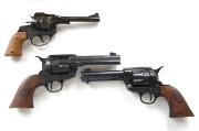 Spielzeugrevolver und -Colt