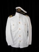 Marineveston mit Kapitänsmütze