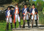 Rococo Uniformen blau-rot