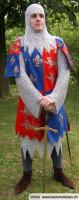Ritter mit Wappenskapulier und Kettenhemd