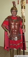roemischer-legionr-mit-standarte